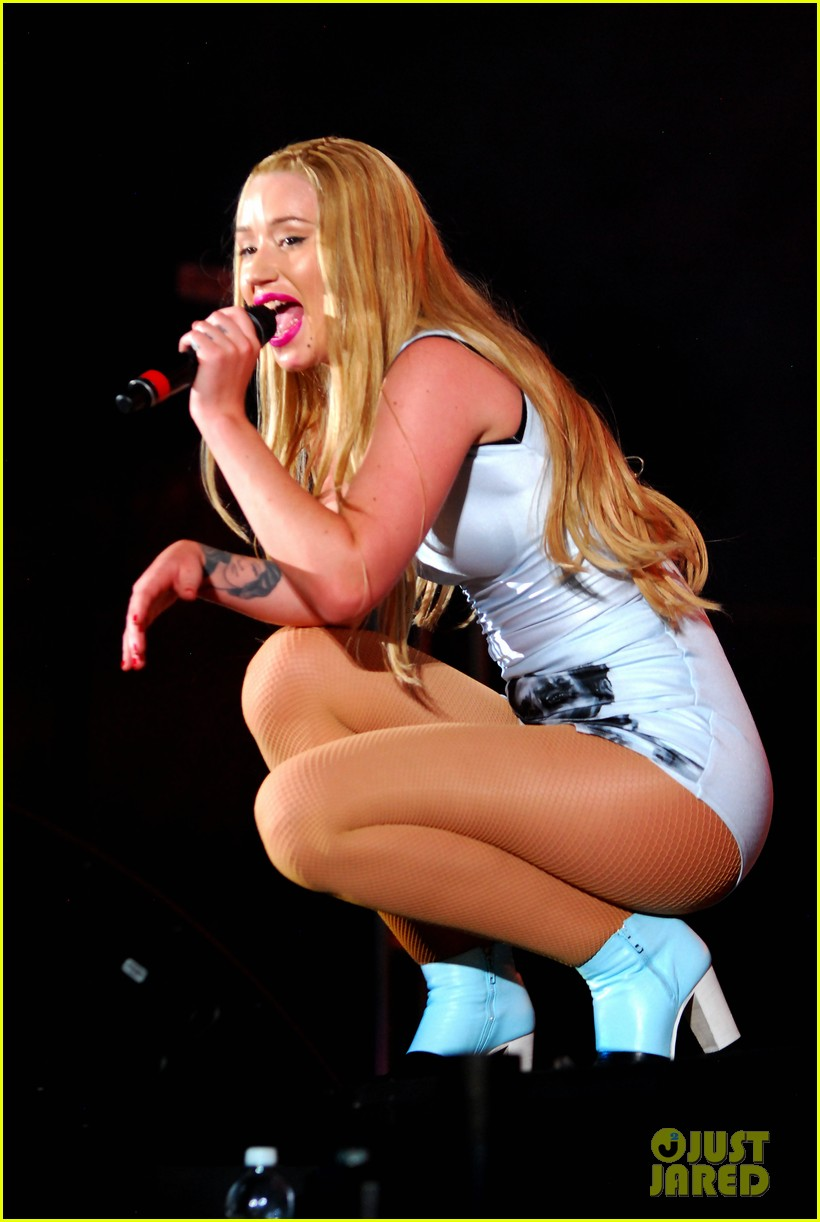 iggy azalea austin mahone summer bash 2014 083136074