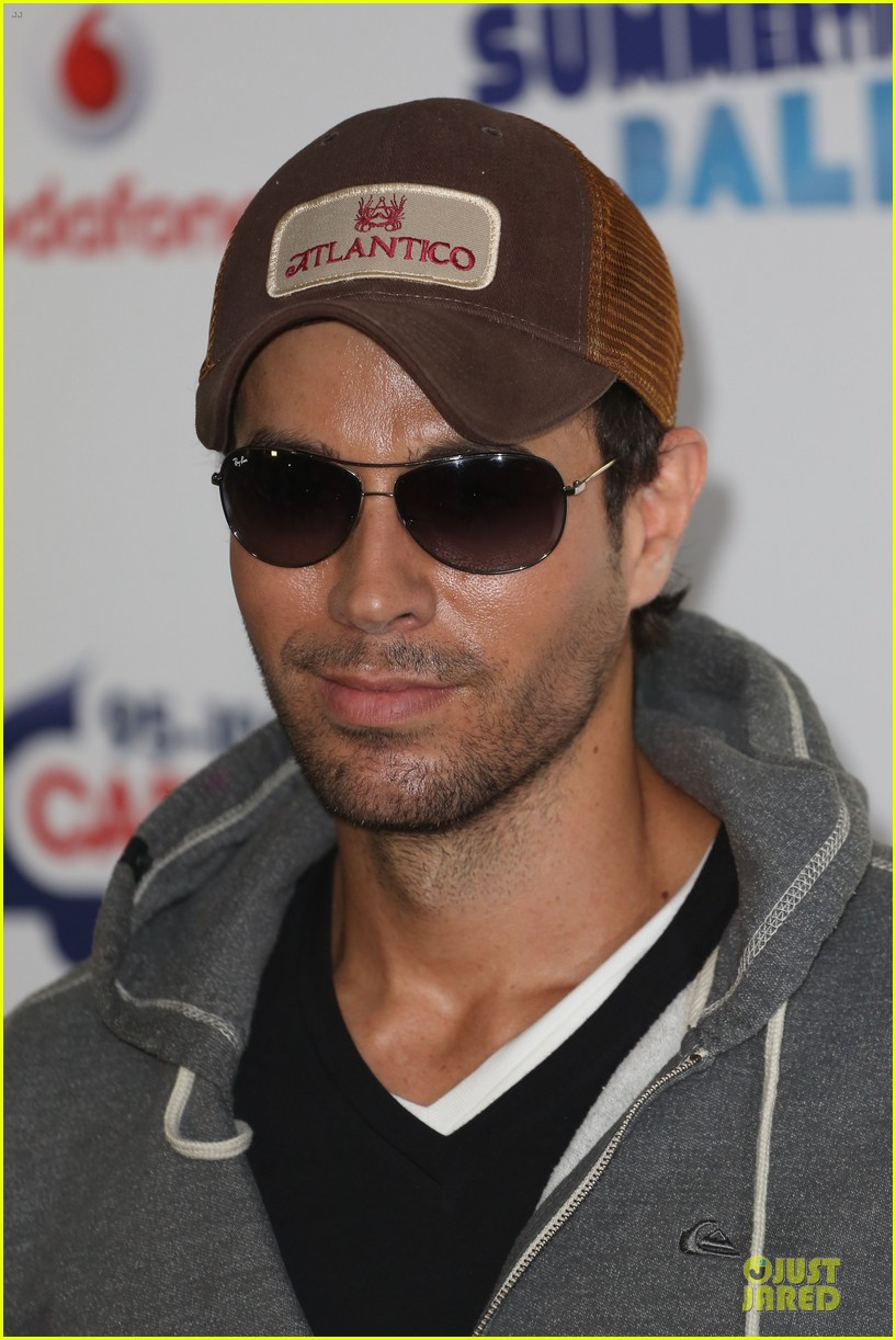 enrique iglesias wants bailando english video to get 100 milion views 103140492