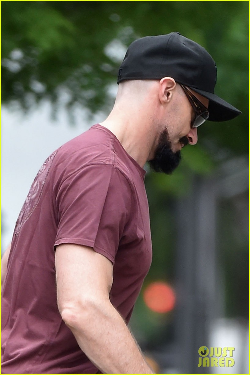 hugh jackman emerges with his brand new look 053133363