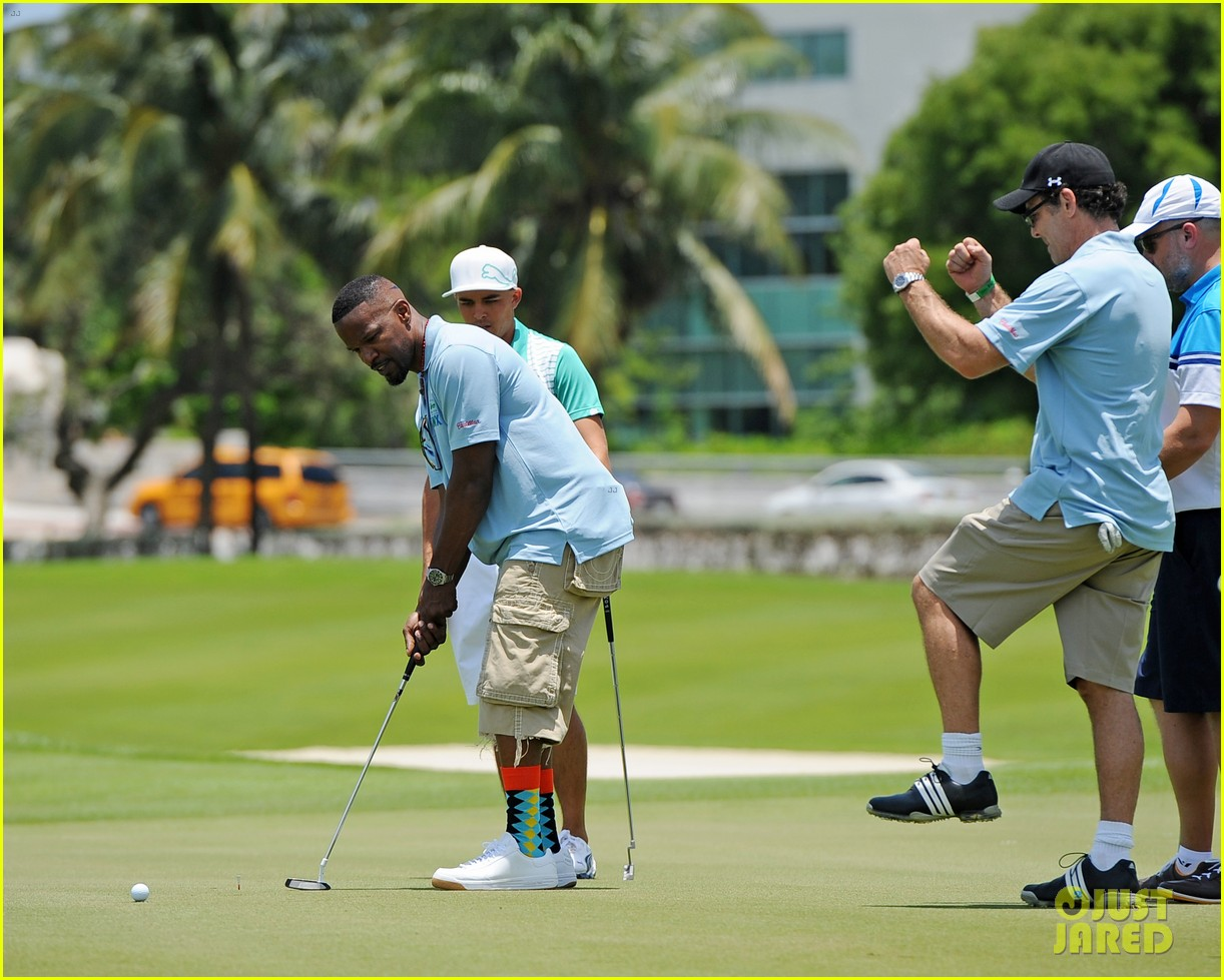 jamie fox dwyane wade celebrity golf tournament miami 063141121