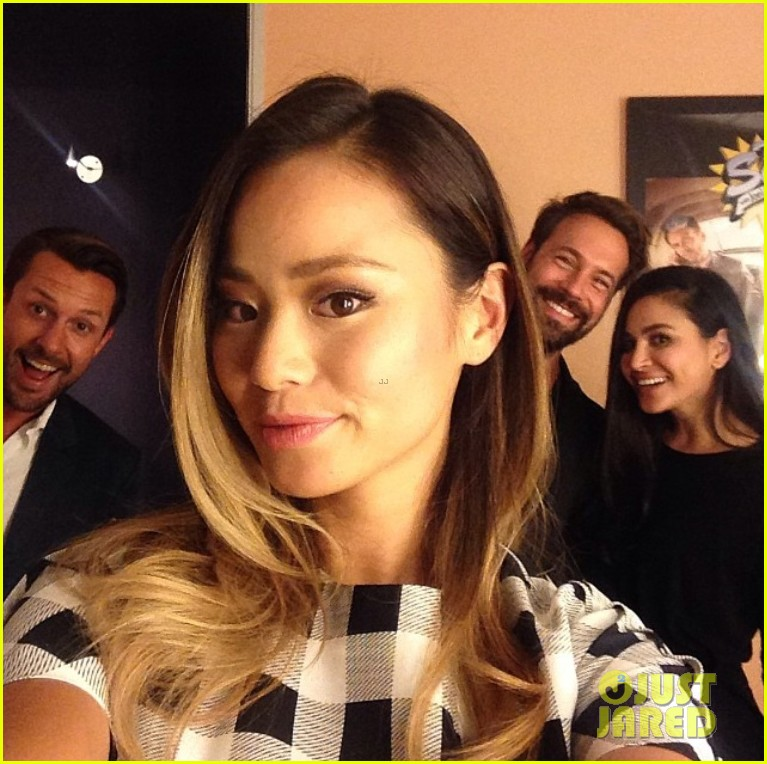 jamie chung coffee run fashion police 023144166