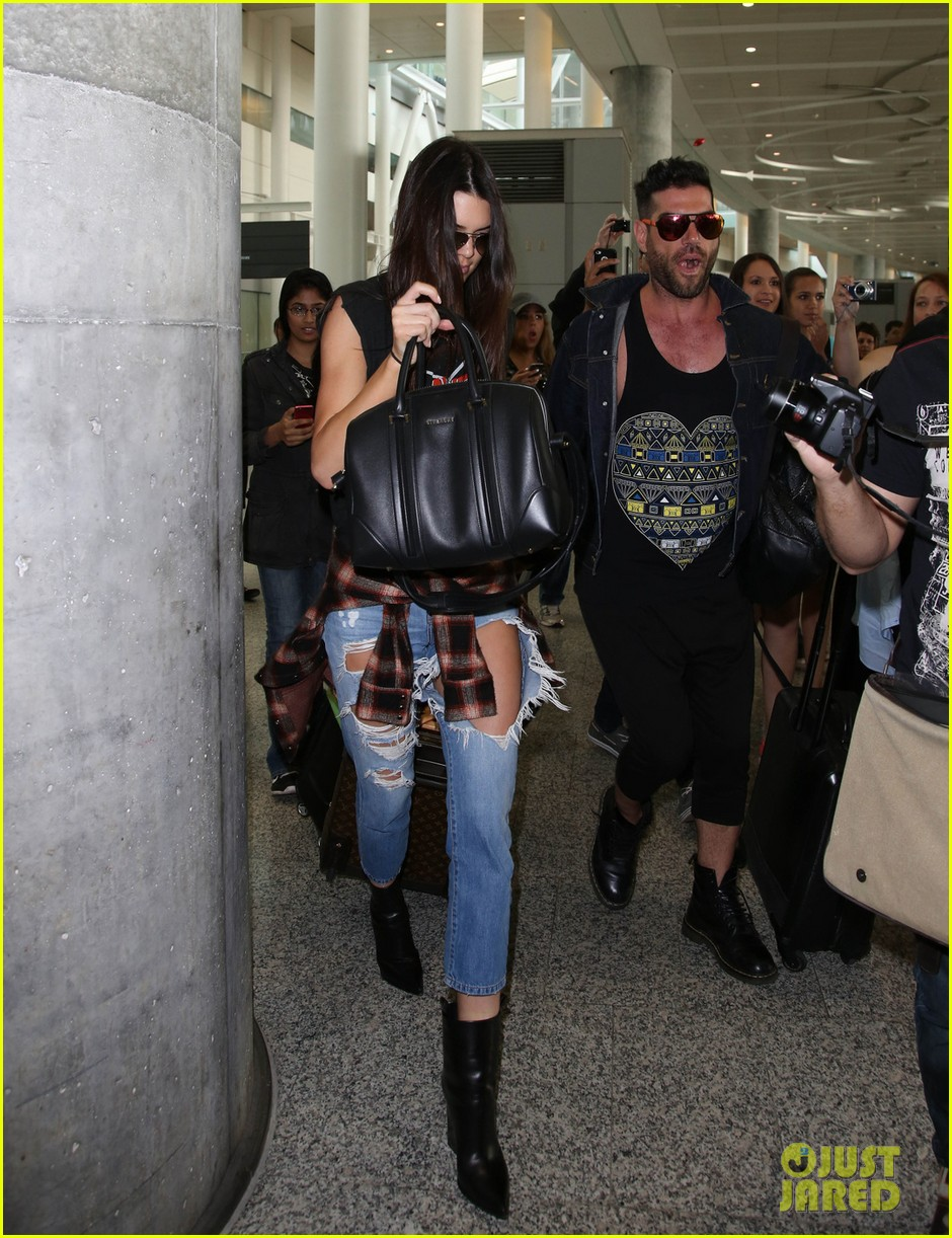 kendall kylie jenner arrive toronto for muchmusic video awards 013135586