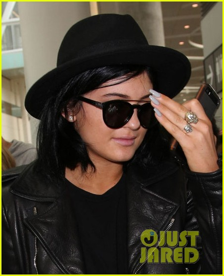 kendall kylie jenner arrive toronto for muchmusic video awards 043135589