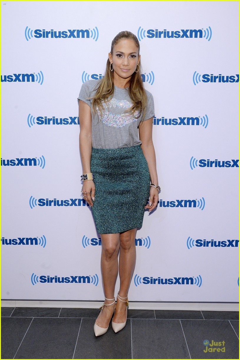 jennifer lopez reunites first loves on gma 013139211