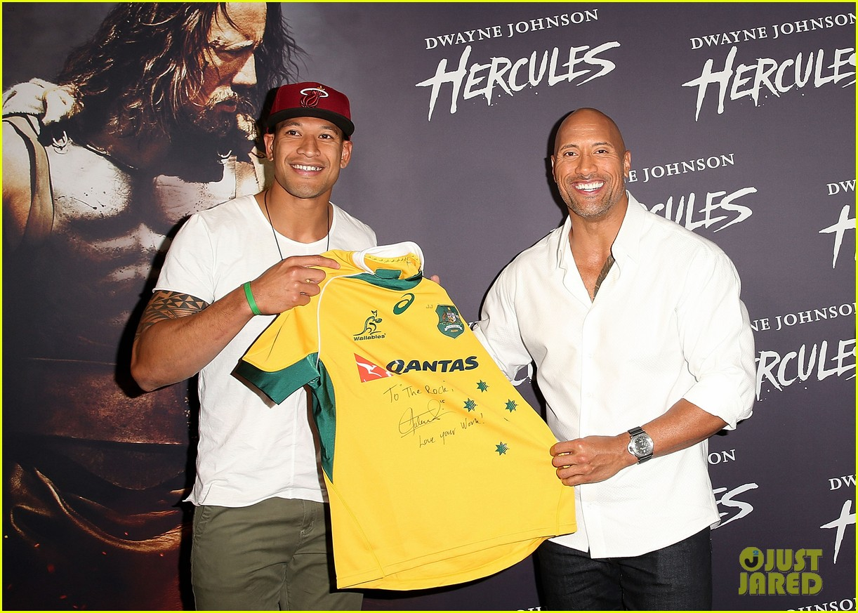 dwyane johnson presented with wallabies jersey at australian hercules screening 043138960