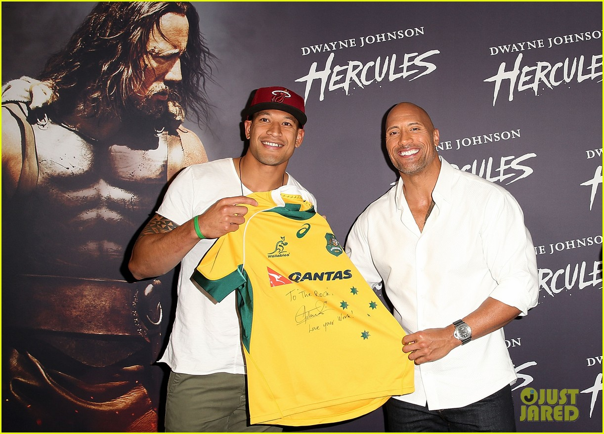 dwyane johnson presented with wallabies jersey at australian hercules screening 093138965