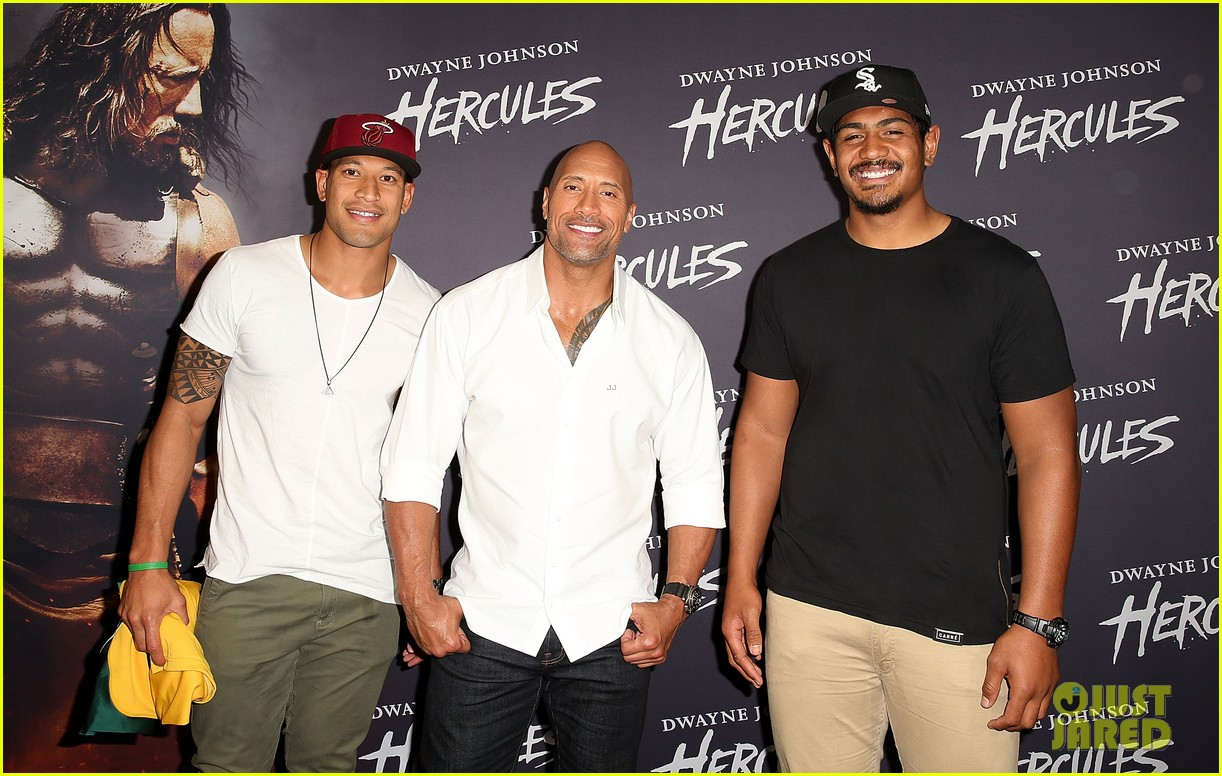 dwyane johnson presented with wallabies jersey at australian hercules screening 103138966
