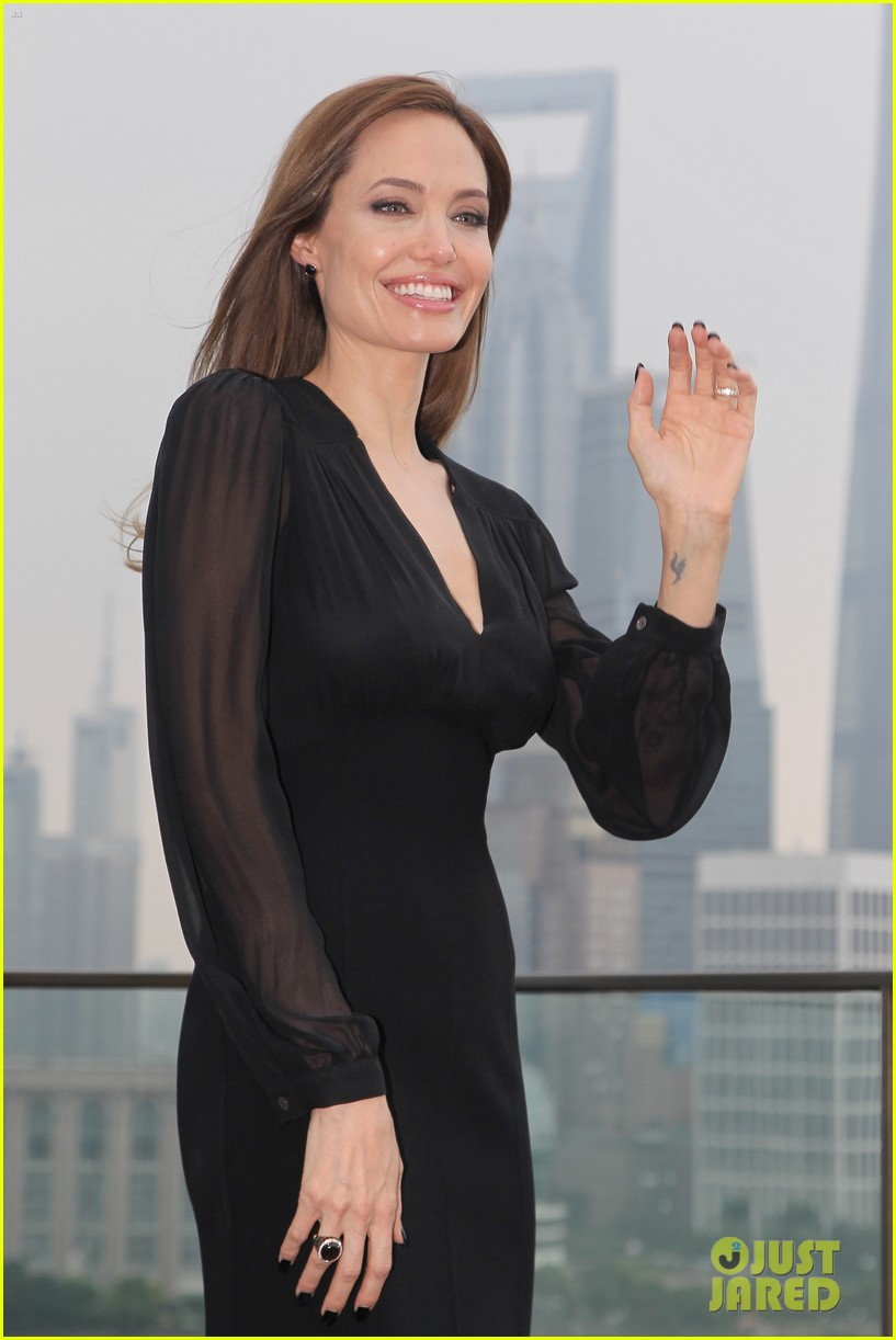 angelina jolie brings maleficent to china 083127247