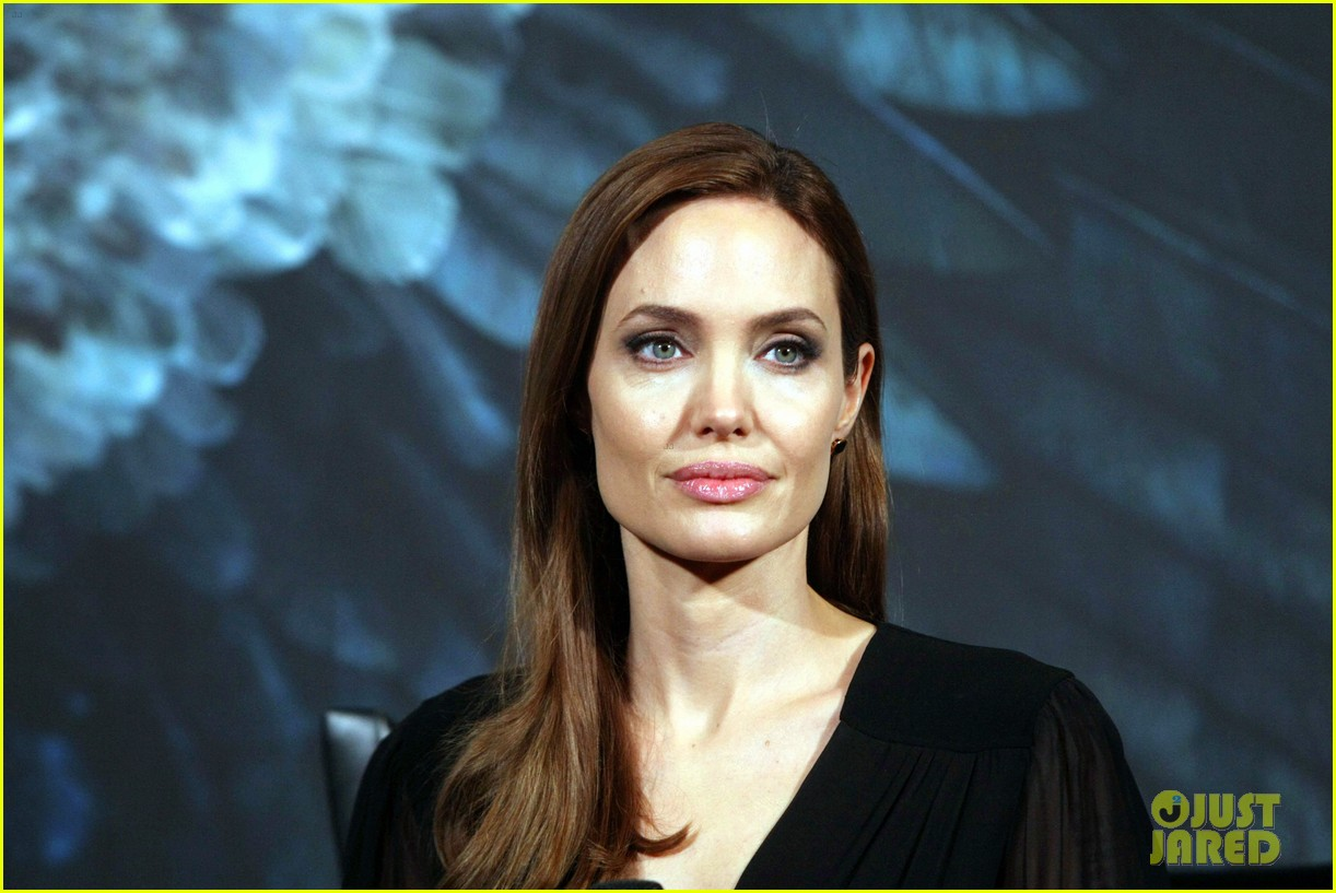 angelina jolie brings maleficent to china 103127249