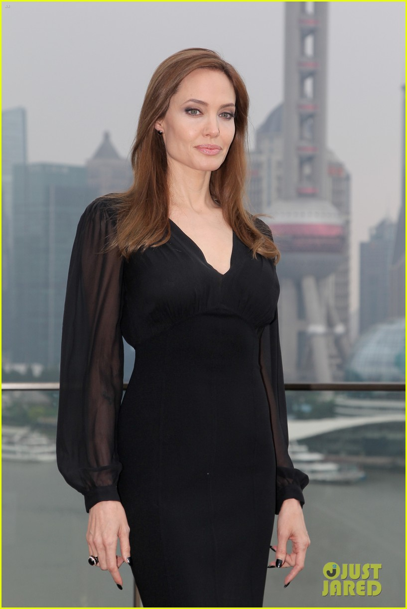angelina jolie brings maleficent to china 143127253