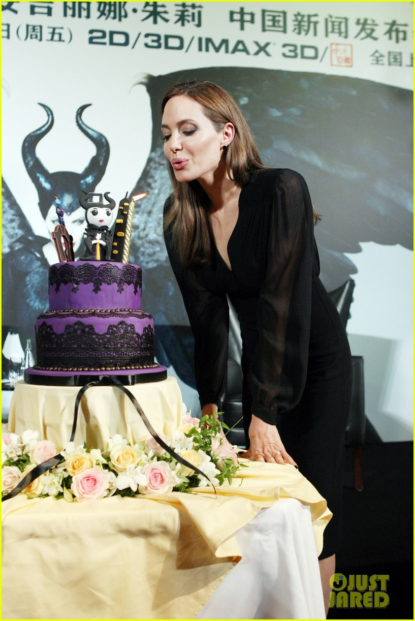 angelina jolie brings maleficent to china 253127264