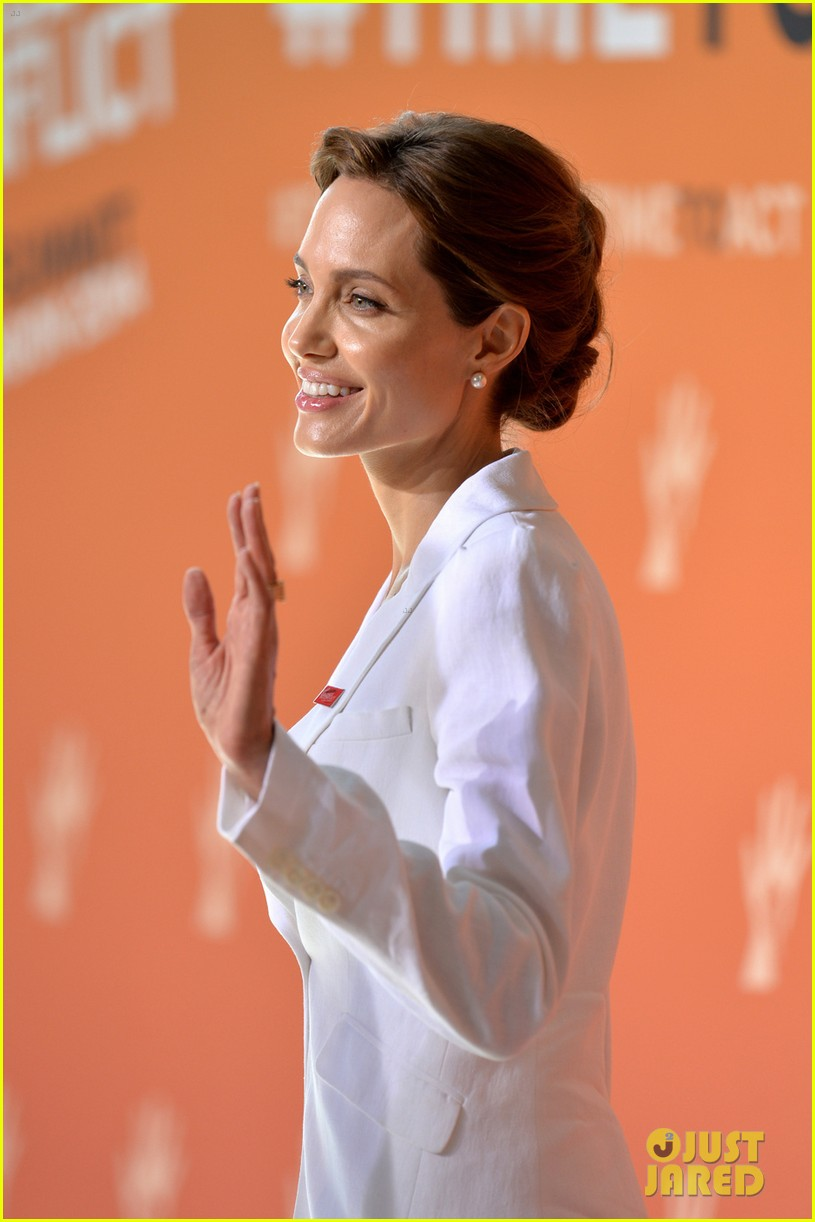 angelina jolie calls for an end to sexual violence 043132239