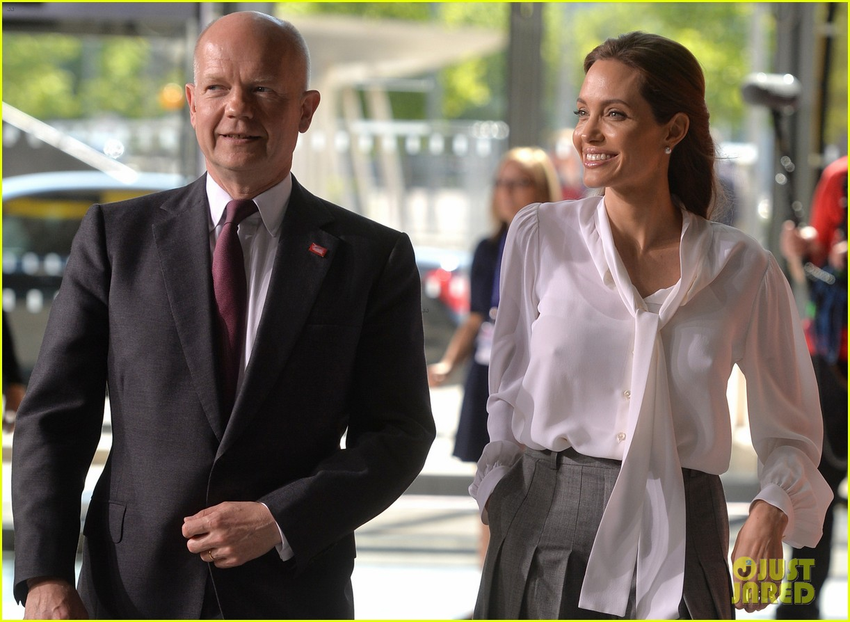 angelina jolie joins foreign secretary william hague for day two of global summit 073133018