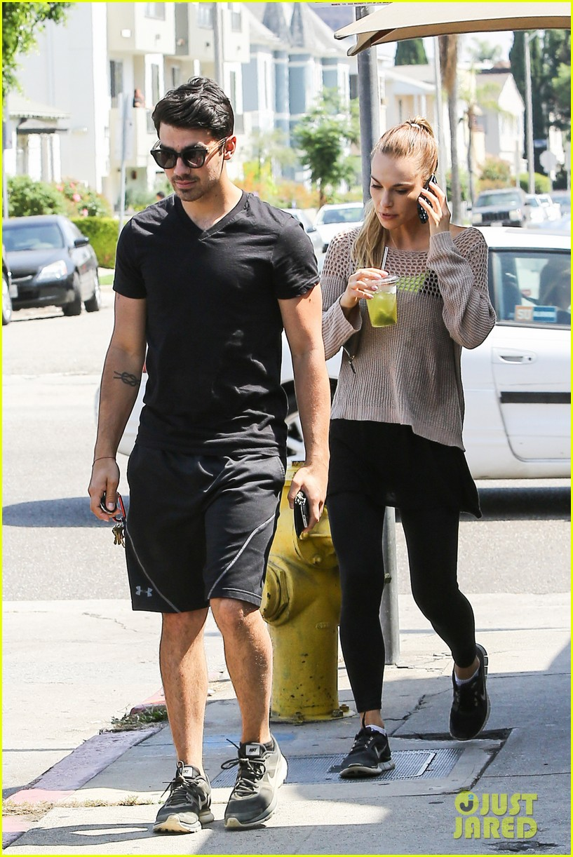 joe jonas split happy for each other 053132788