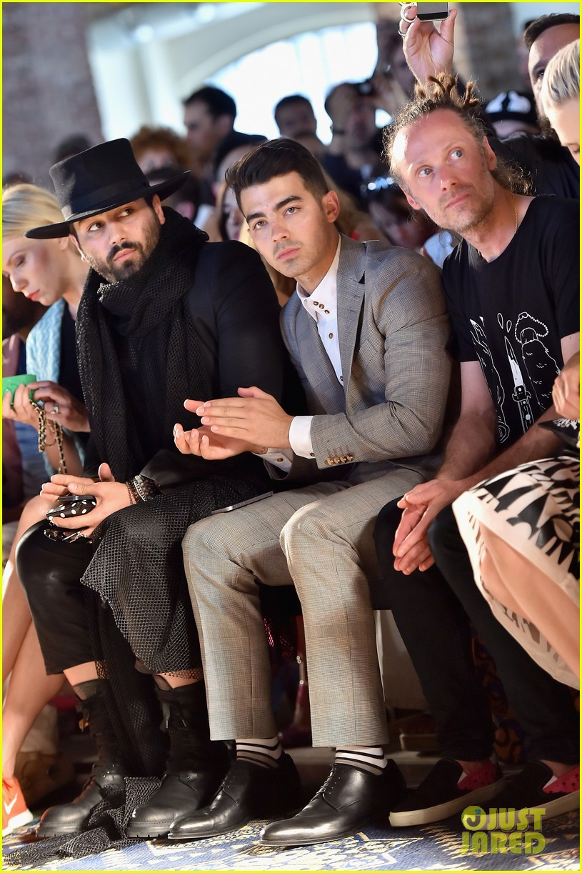 joe jonas milan mens fashion week missoni 053141278