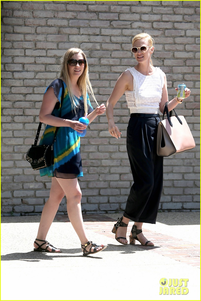 january jones barbra streisand lunch date pairing 103136582