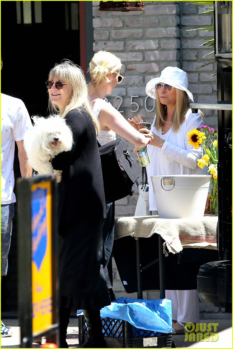 january jones barbra streisand lunch date pairing 14