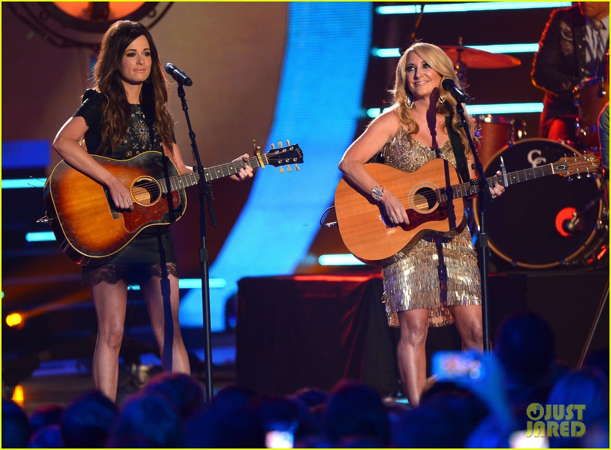 kacey musgraves livin on love cmt awards 2014 013128457