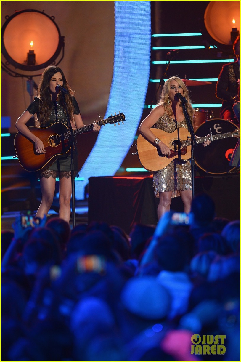 kacey musgraves livin on love cmt awards 2014 033128459