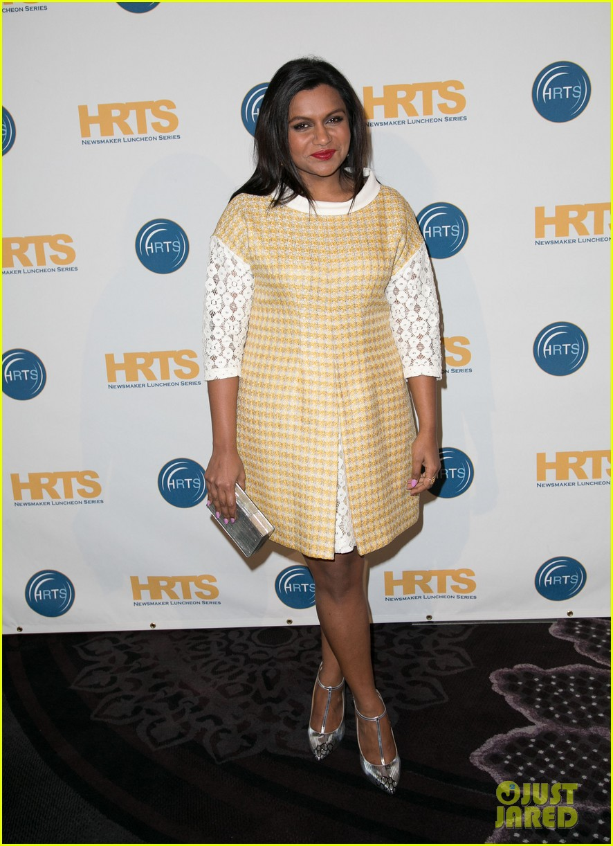 mindy kaling mindy project season three opener so many fun twists 06