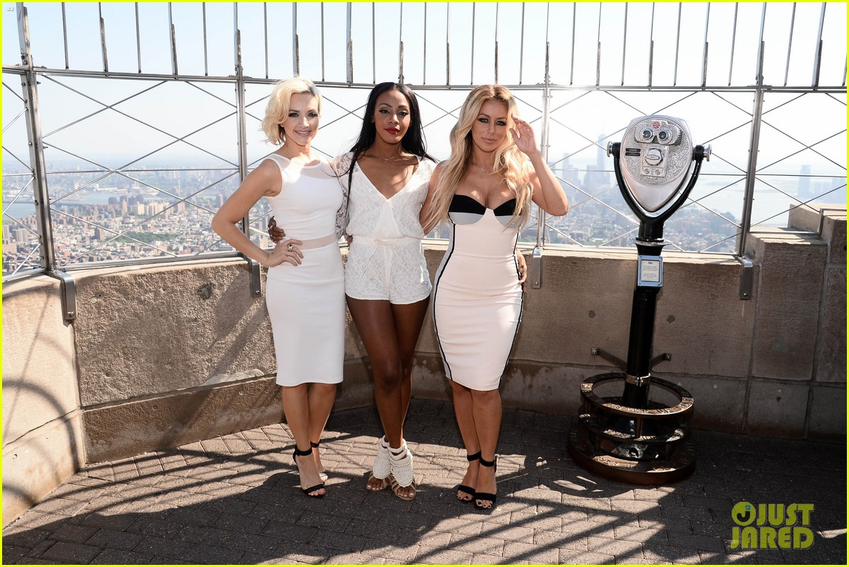 danity kane celebrate lemonade release at empire state building 053127294