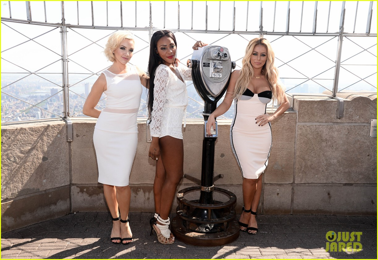 danity kane celebrate lemonade release at empire state building 073127296