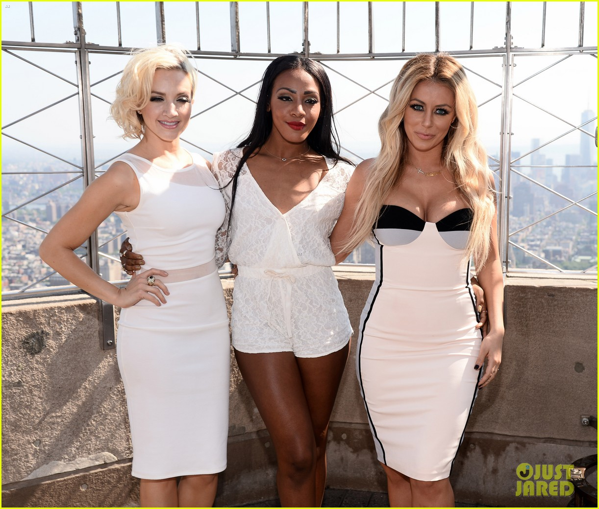 danity kane celebrate lemonade release at empire state building 093127298