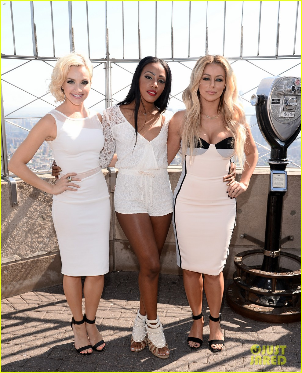 danity kane celebrate lemonade release at empire state building 10
