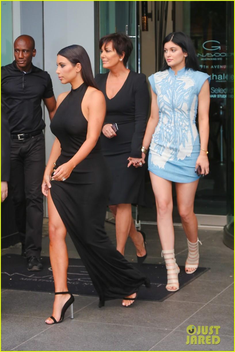 khloe kardashian celebrates 30th birthday 013144387