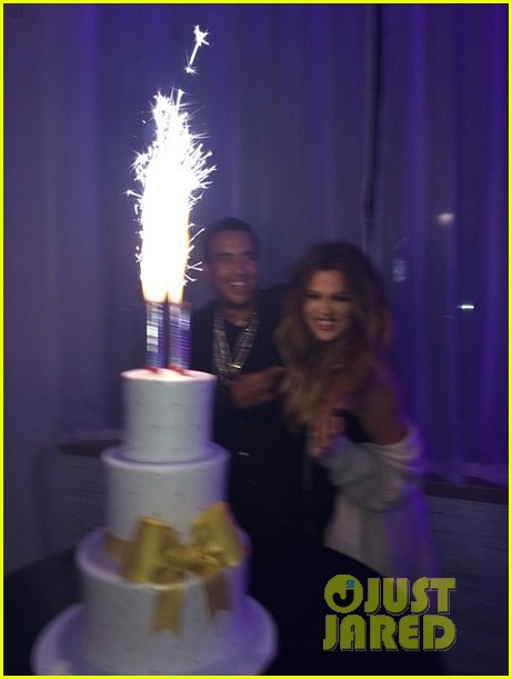 khloe kardashian celebrates 30th birthday 03