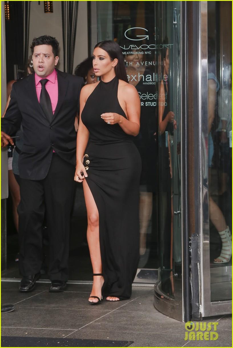 khloe kardashian celebrates 30th birthday 213144407