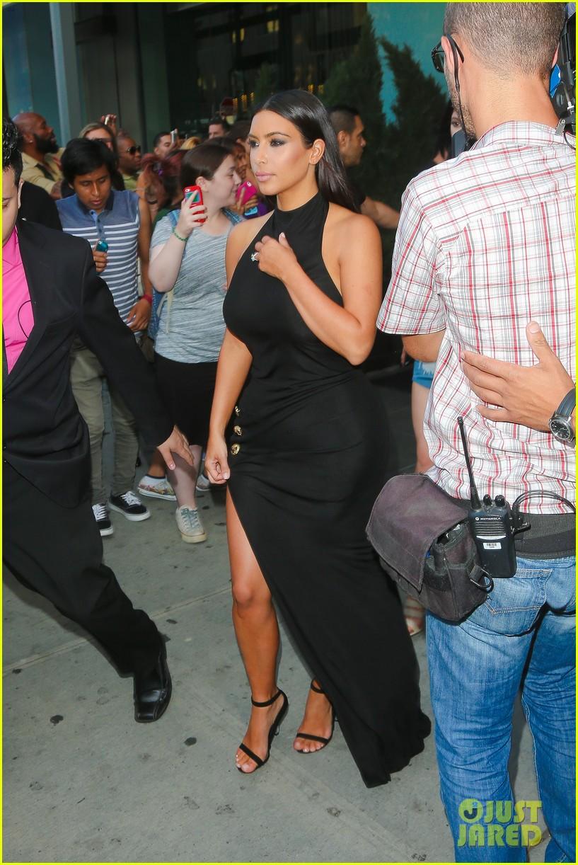 khloe kardashian celebrates 30th birthday 223144408