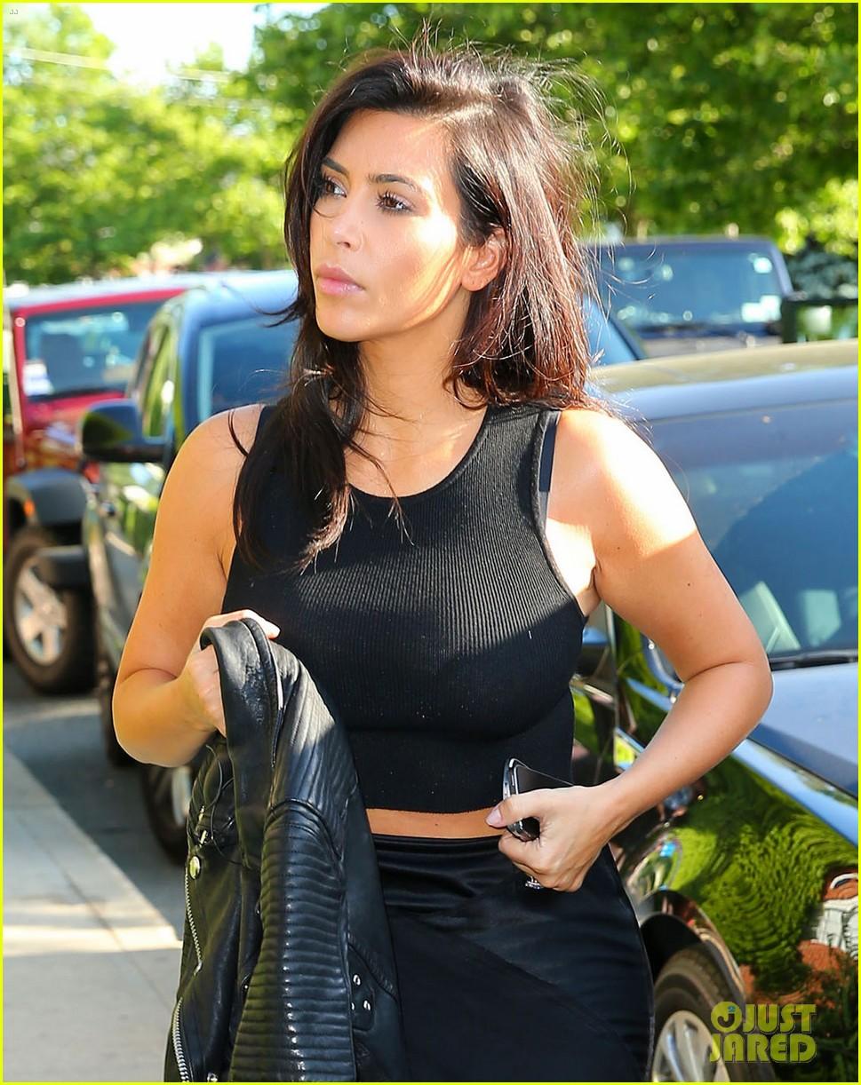 kim kardashian shopping for bigger new york city apartment 023145721