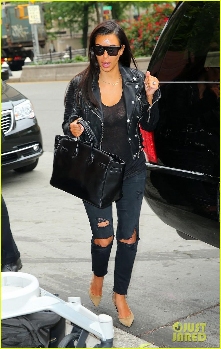 kim kardashian goes back to blonde hair 013143231