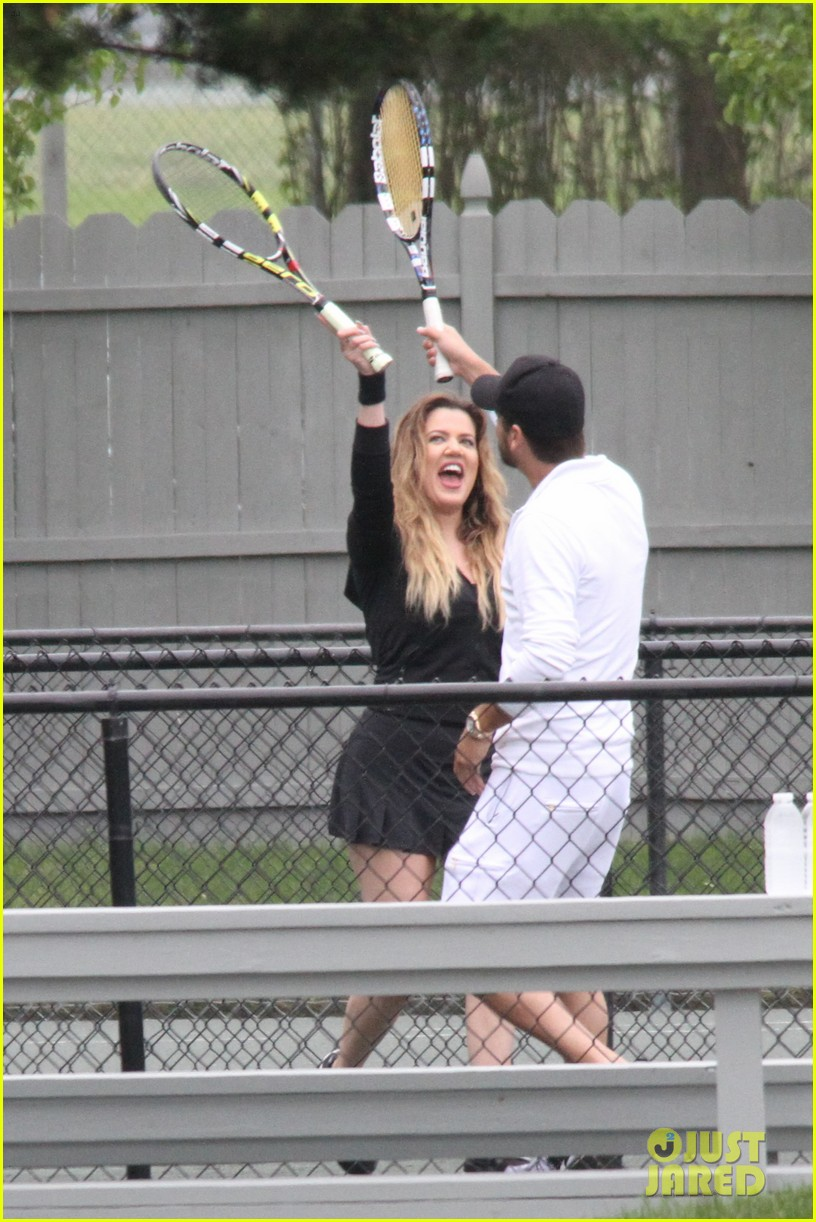 khloe kardashian scott disick continue to bond without kourtney 023134164