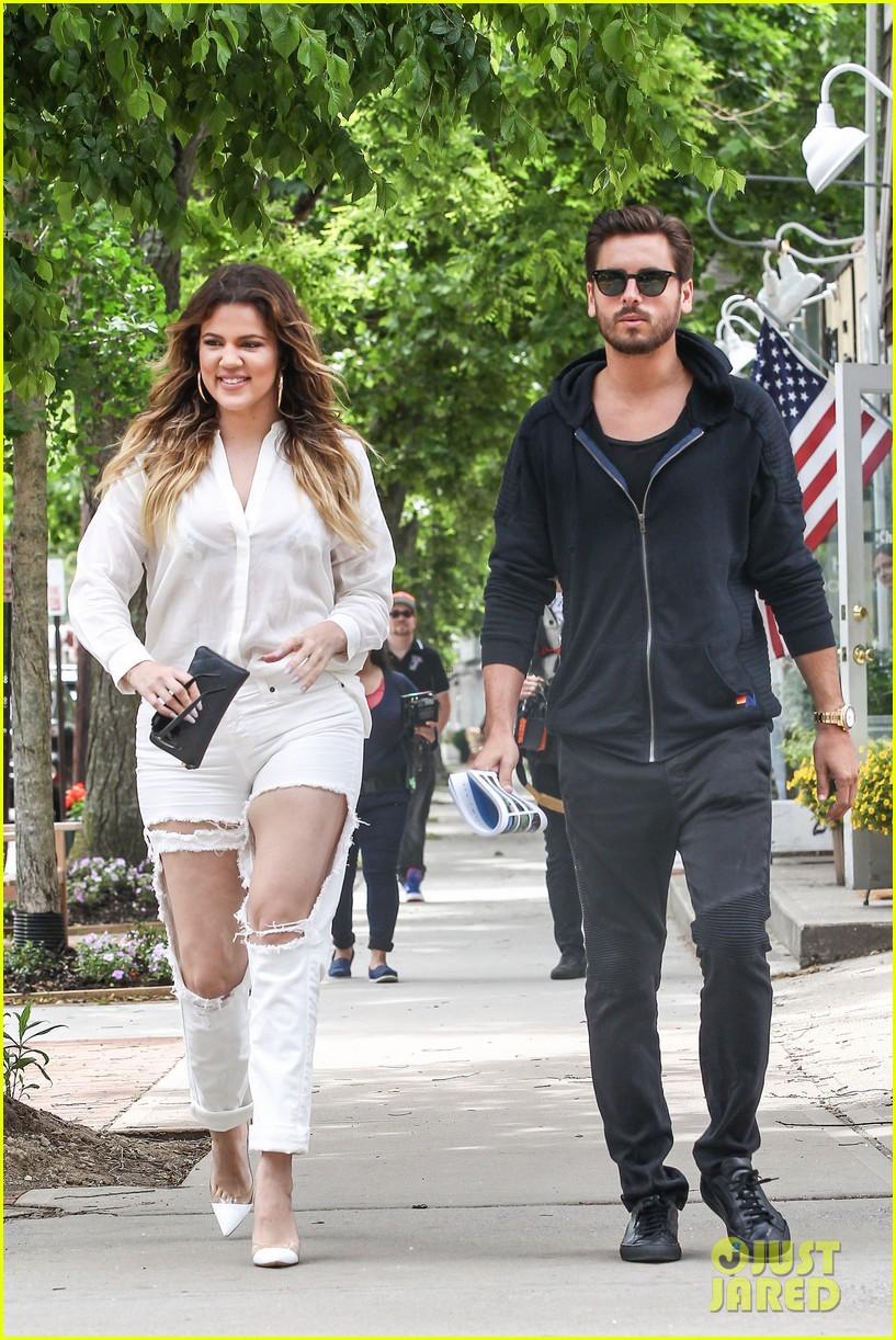 khloe kardashian scott disick continue to bond without kourtney 033134165