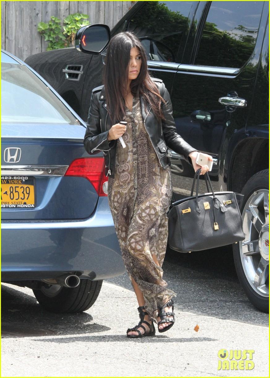 khloe kardashian scott disick continue to bond without kourtney 043134166