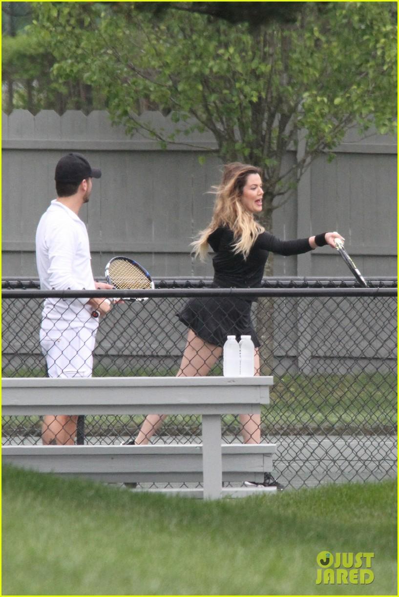 khloe kardashian scott disick continue to bond without kourtney 223134184