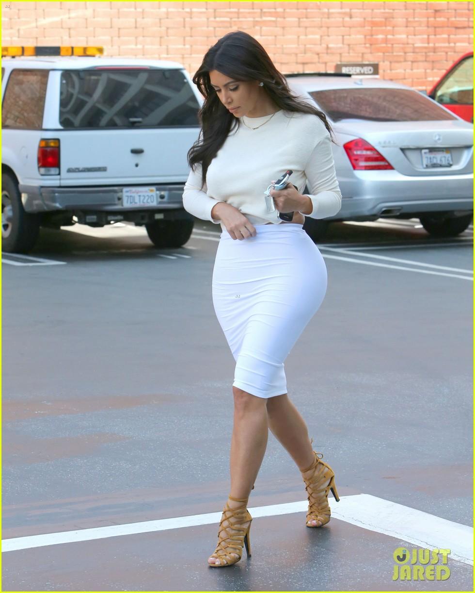 kim kardashian wants to end boycott of beverly hills hotel 033141896