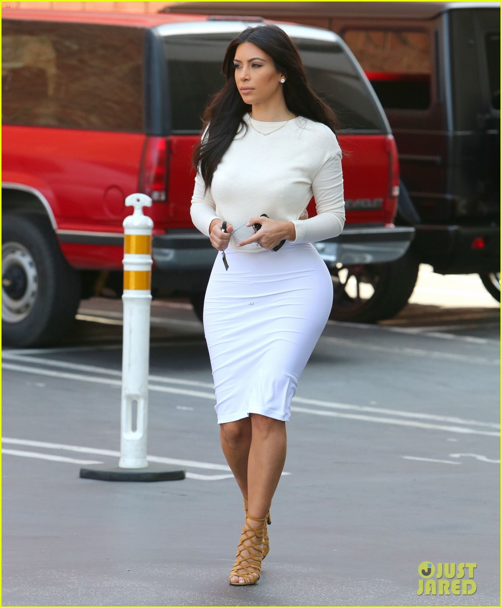 kim kardashian wants to end boycott of beverly hills hotel 083141901