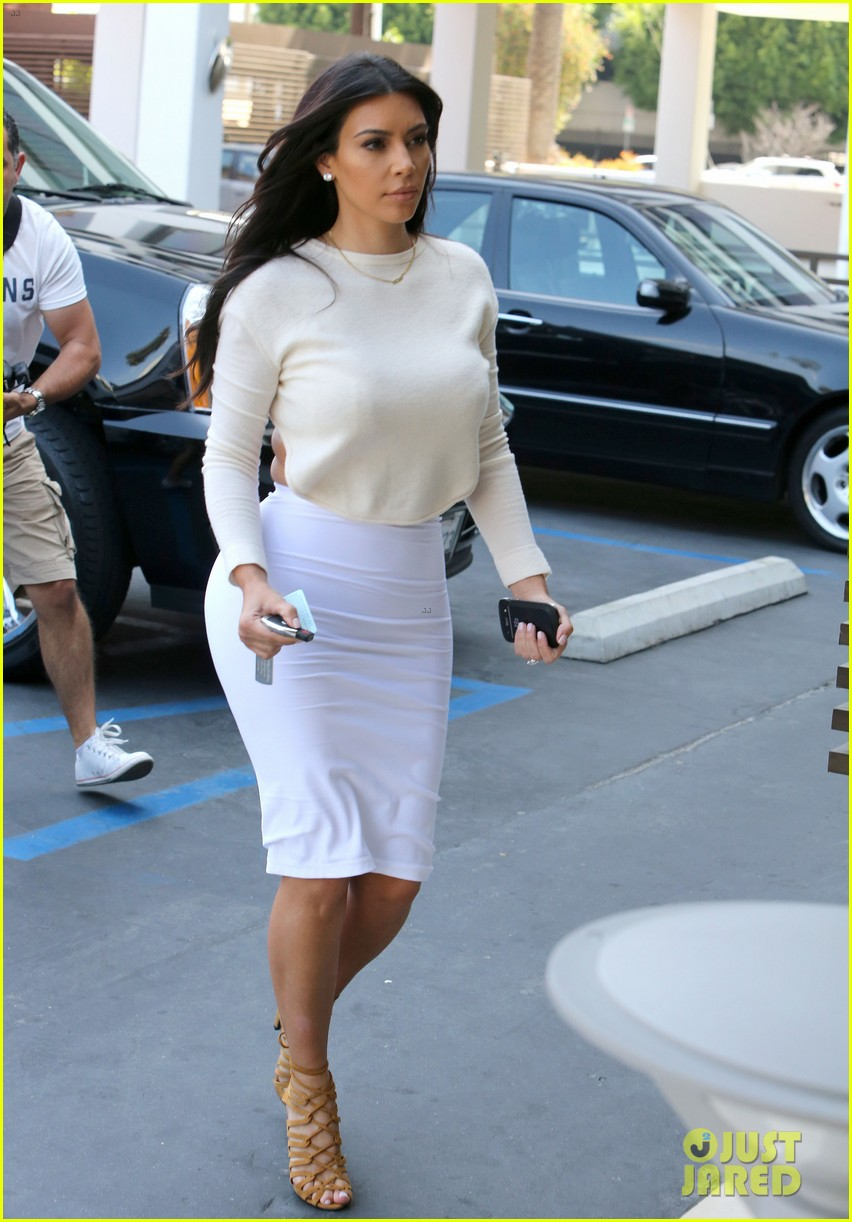 kim kardashian wants to end boycott of beverly hills hotel 133141906