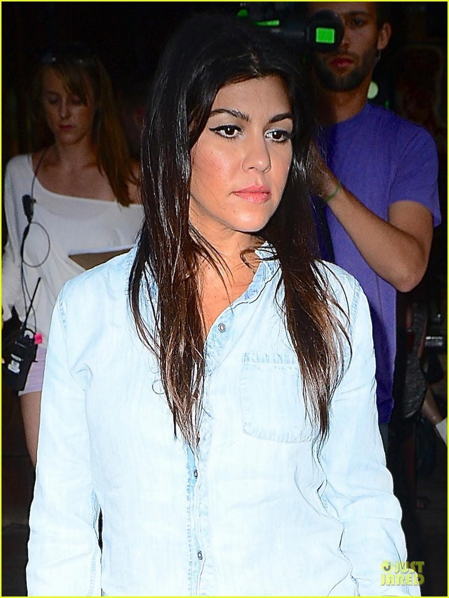 kim kardashian kanye west had extremely long kiss at wedding 063136908