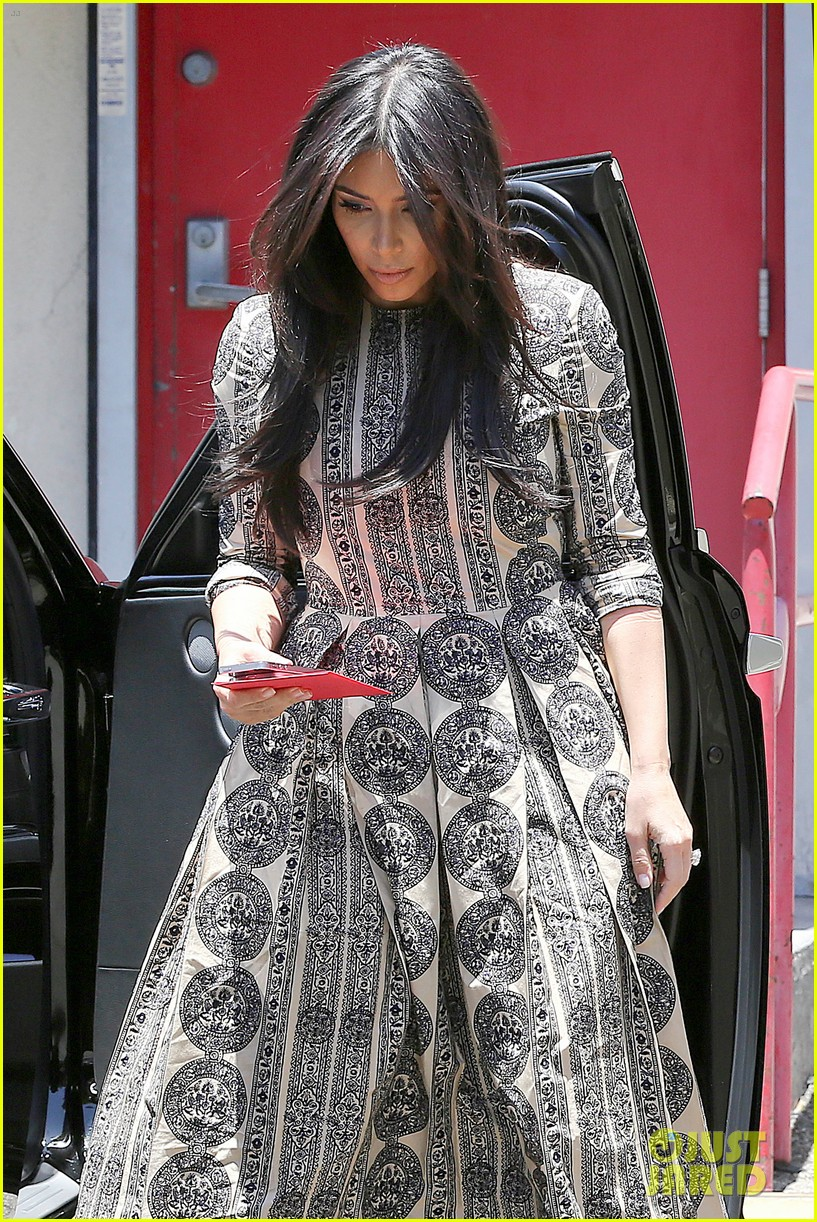 kim kardashian legendary paris trip 013127483