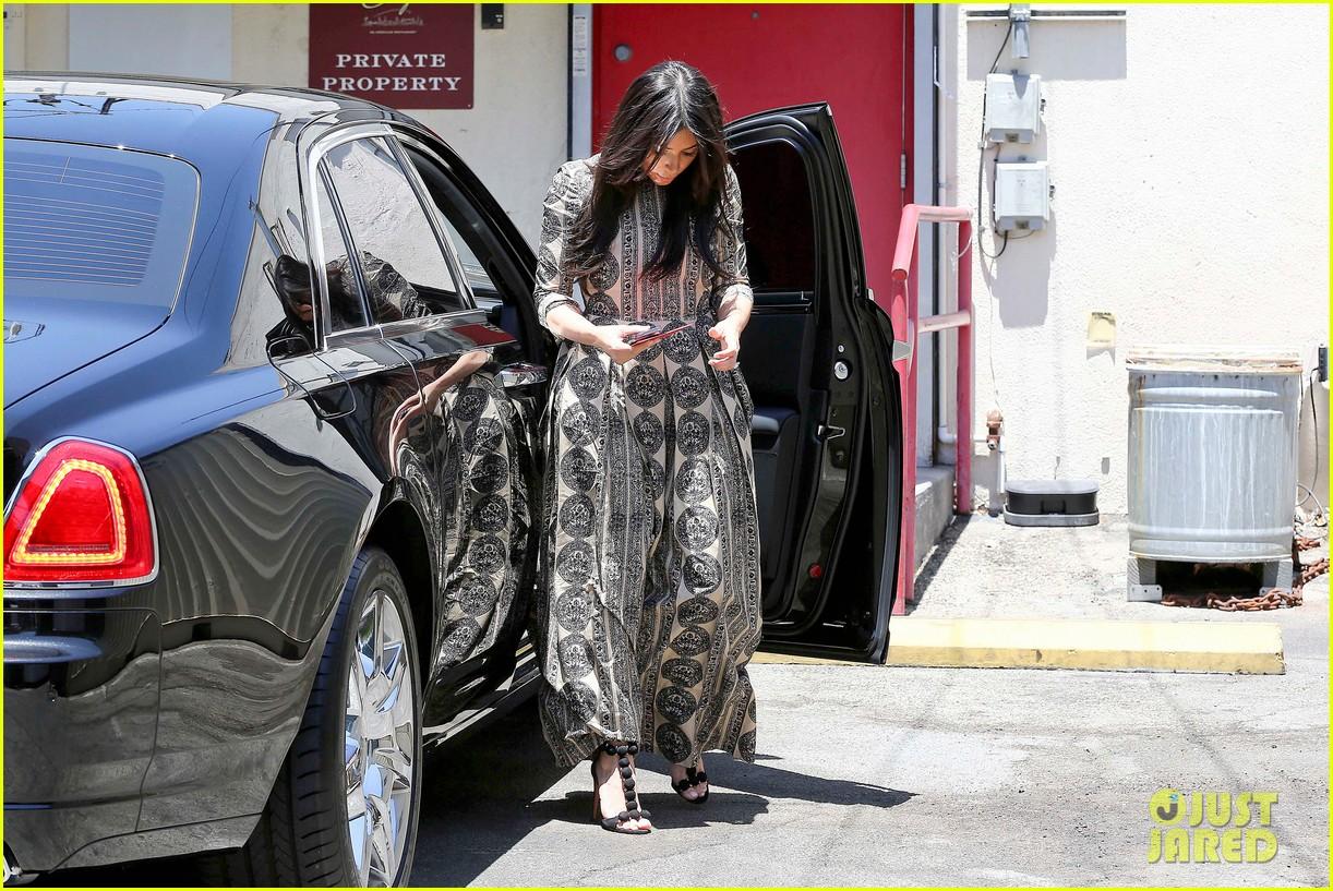 kim kardashian legendary paris trip 103127492