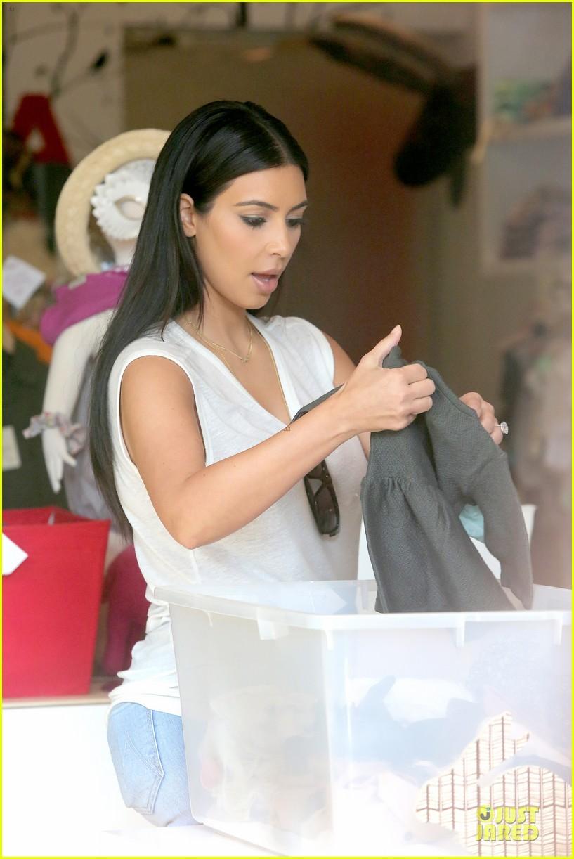 kim kardashian shops for north kourtney beach photoshoot 023137635