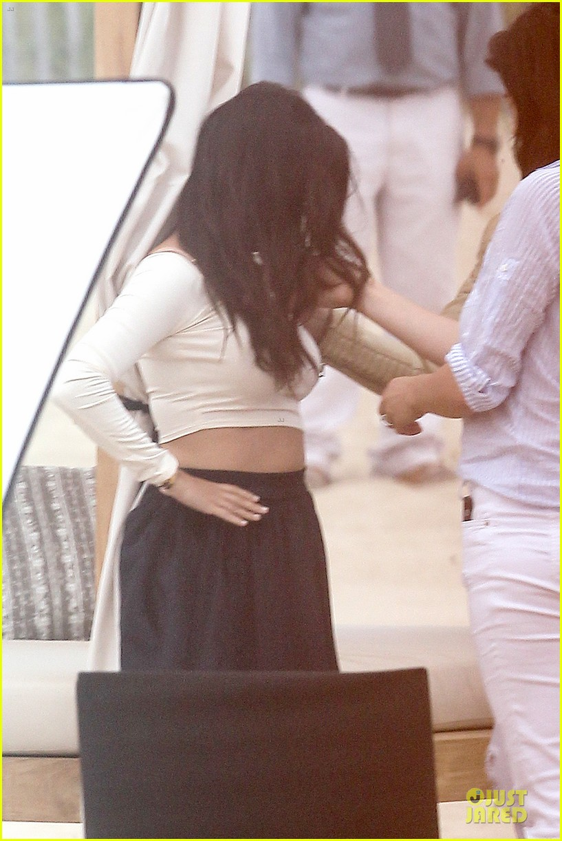 kim kardashian shops for north kourtney beach photoshoot 043137637