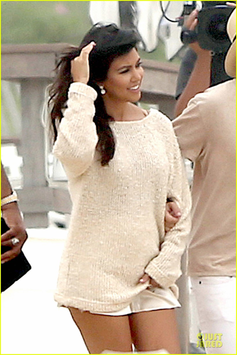 kim kardashian shops for north kourtney beach photoshoot 093137642