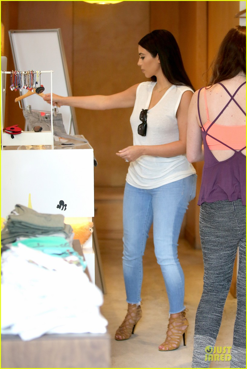 kim kardashian shops for north kourtney beach photoshoot 323137665