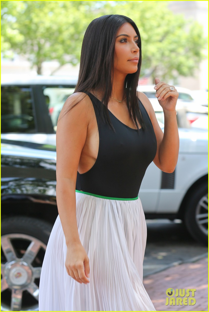 kim kardashian north west victims of racist attack 063146984