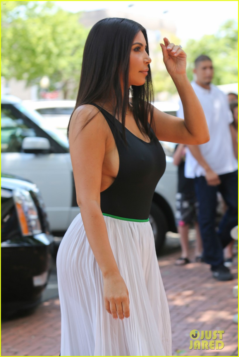 kim kardashian north west victims of racist attack 123146990